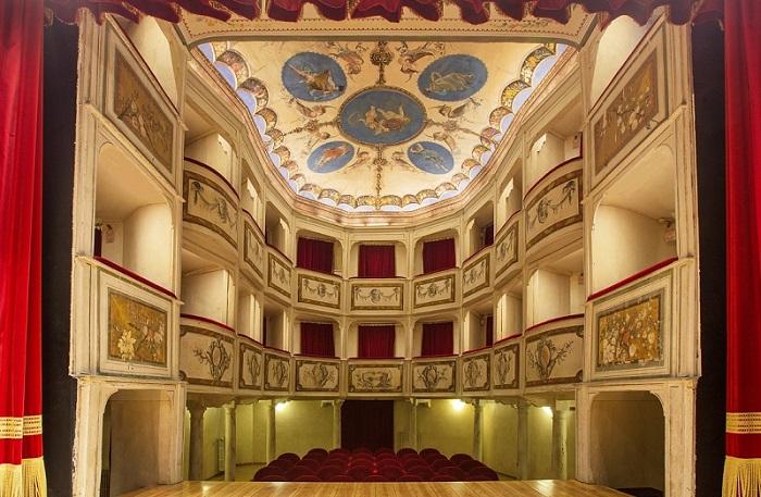 Stagione teatrale 2019 Teatro più piccolo del mondo